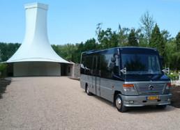 Uitvaartbus bij Zorgvlied